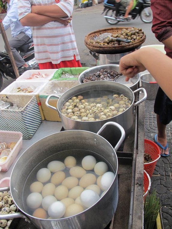 Seafood snacking in Phnom Penh