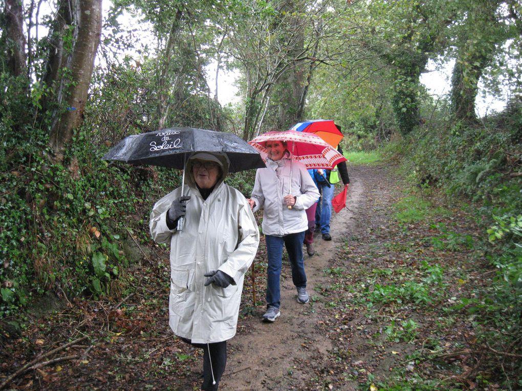 A défaut de chanter ils ont marché sous la pluie !