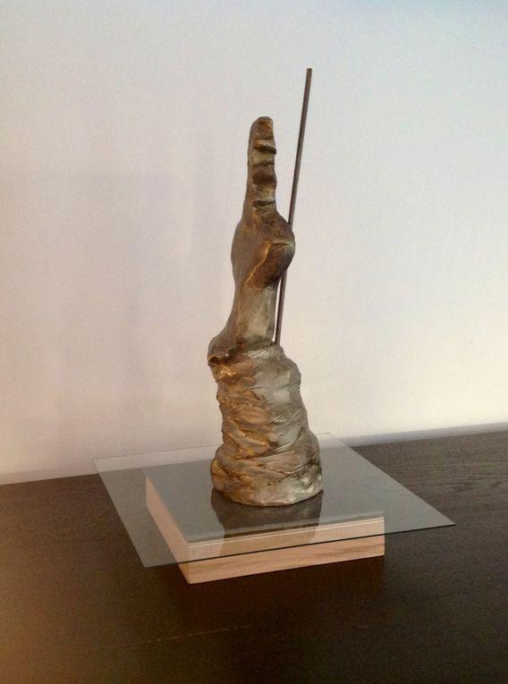 Terre cuite (grès) - Patine zinc et bronze - Taille : 40 X 13 X 12 CM - 28/02/2016