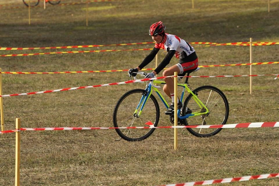 Album photos de la course cadets et dames du cyclo-cross d'Ezy sur Eure (27)