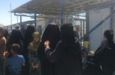 Syrie : situation explosive dans le camp d'al-Hol qui regroupe les familles des combattants de l'État islamique emprisonnés