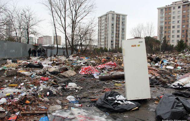 550 roms à la rue depuis le 6 janvier 2015 à Istanbul, un Sulukule bis à Ataşehir
