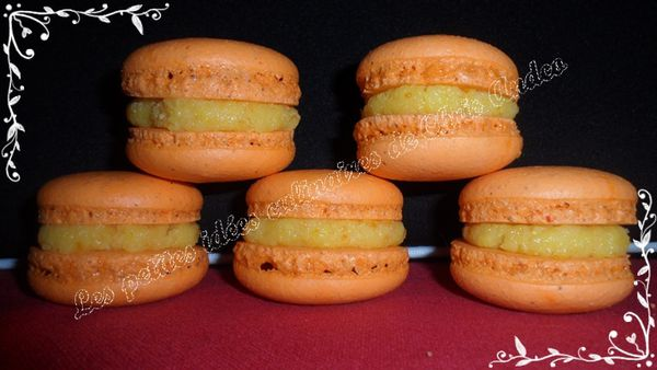 Macarons fourrés à l'orange