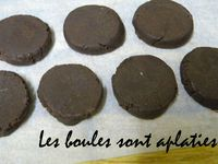 LA FINITION DES CHOCOLATS DE NOEL
