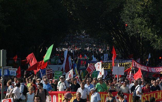 200 000 travailleurs portugais ont répondu à l'appel de la CGTP, dans les rues de Lisbonne et Porto, et dit « Non au programme d'agression » du gouvernement, du FMI et de l'UE