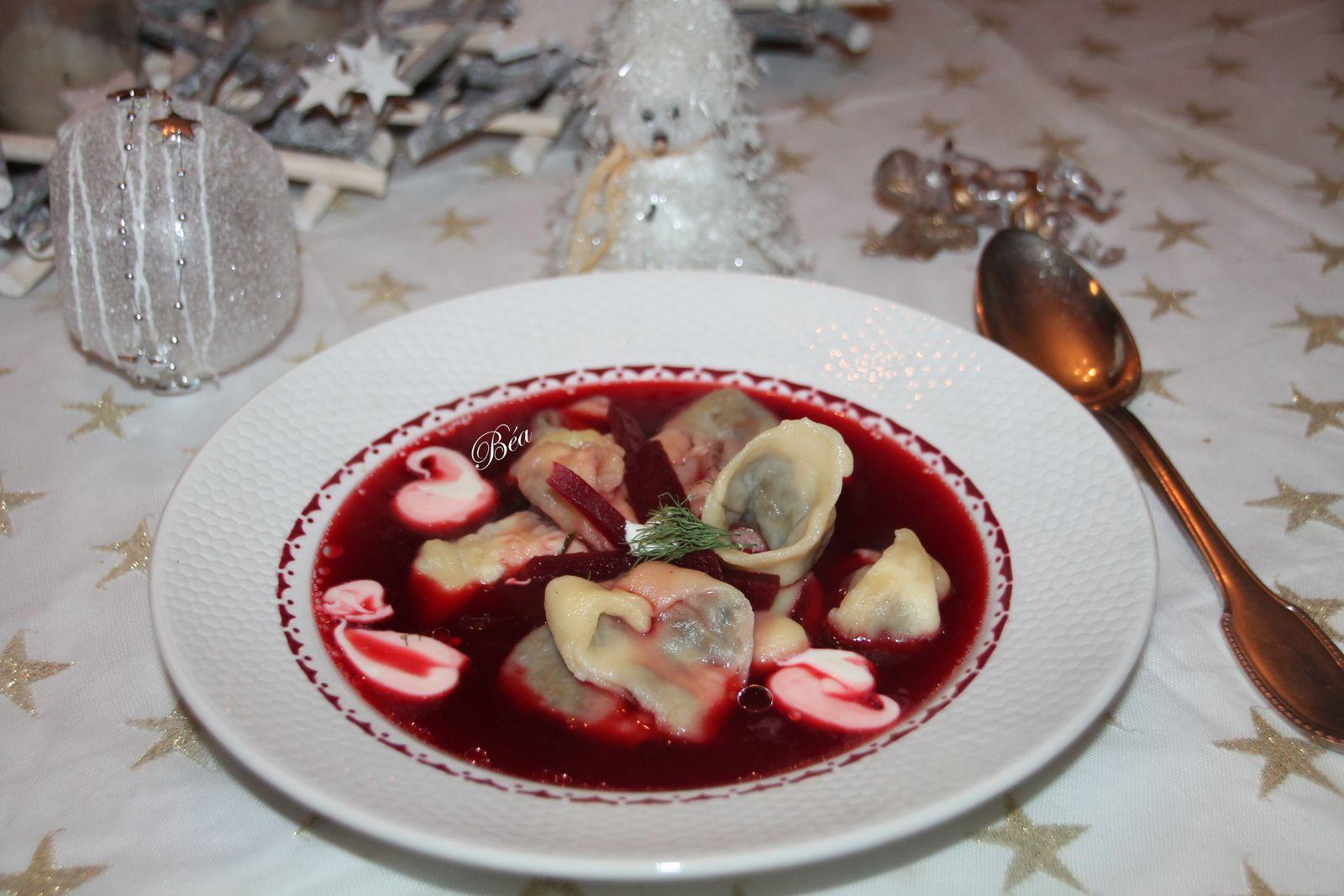 Barszcz le bouillon de betteraves du réveillon de Noël polonais