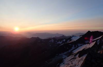 Lagginhorn et Weissmies dans les Alpes Valaisannes