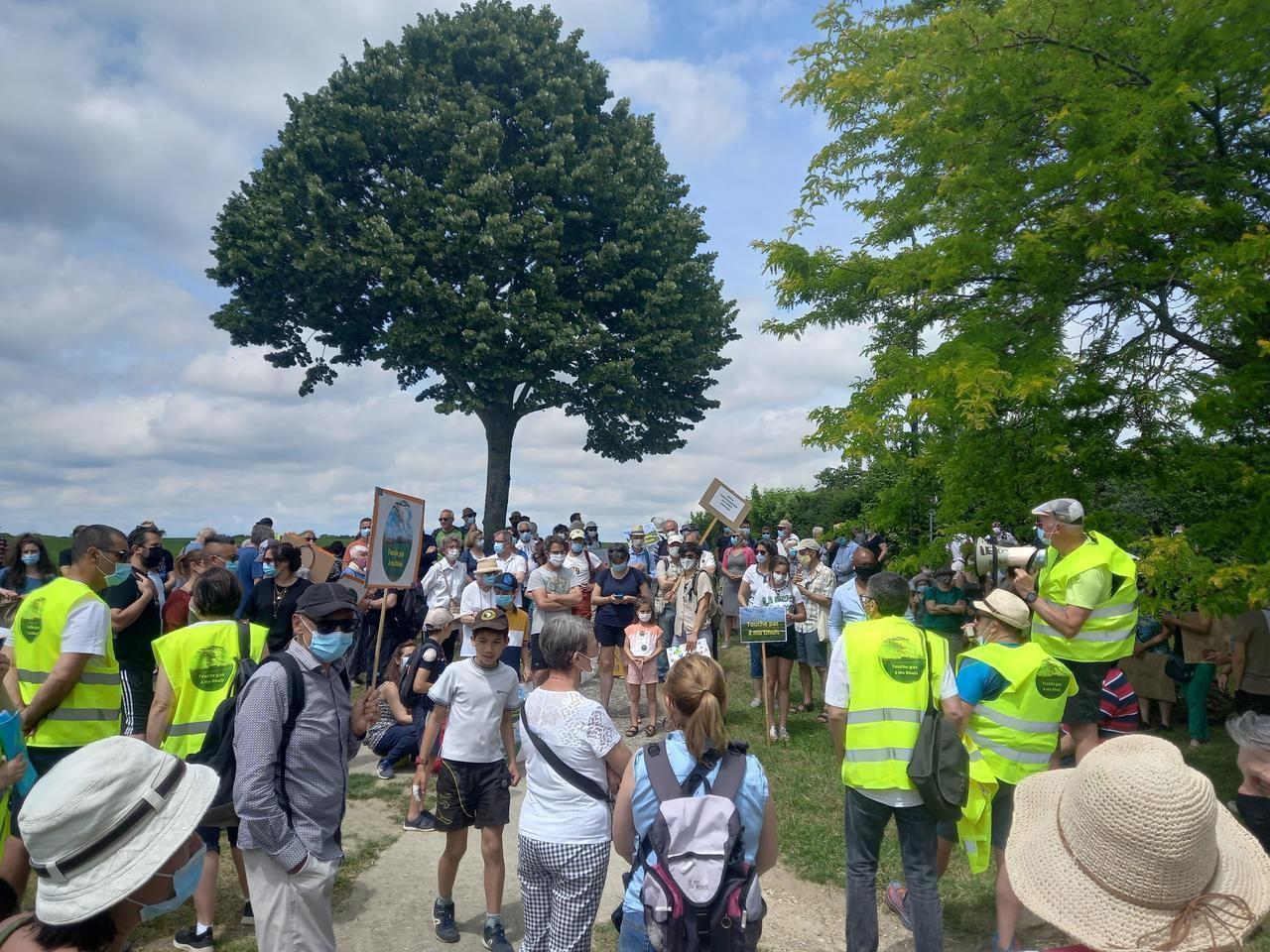 A Thorigny-sur-Marne, 200 personnes manifestent pour préserver la Dhuis