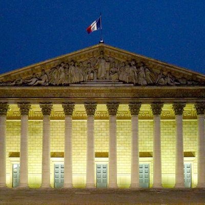 Covid: Jean Castex a présenté des «projections» trafiquées aux parlementaires (Mediapart)