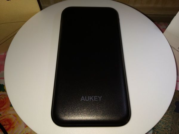 découverte de la batterie externe 10.000 mAh Aukey PB-Y13 avec Power Delivery 18 Watts et QuickCharge 3.0 @ Tests et Bons Plans