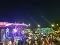 La Peña de Valergues, le groupe System Rock on the Road et Thomas le DJ ont animé la fête de la Musique place Auguste Renoir. La première fête d'après confinement qui a réuni les valerguois pour une très belle et conviviale soirée en ce premier jour de l'été (photos Eloi Martinez)