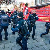 Le rassemblement en mémoire d'Engels à Wuppertal marqué par les violences policières
