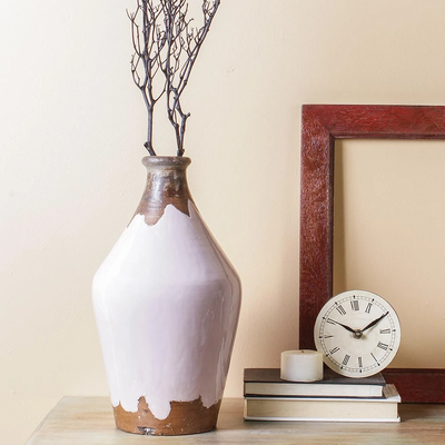 Get hands on beautiful Vases online to enhance your room decor