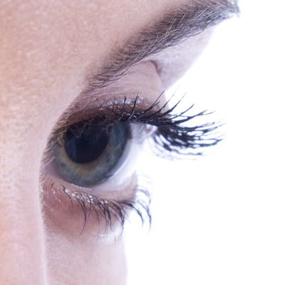 How quickly do eyelashes grow back after they have fallen out?