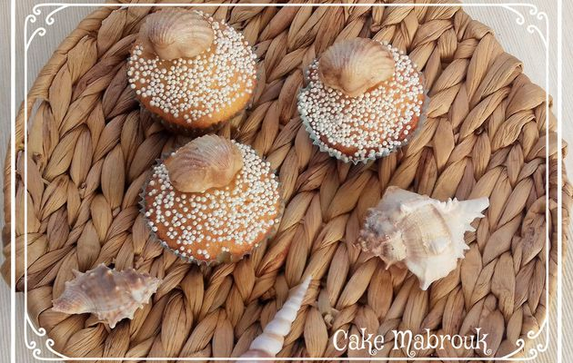 Cupcakes Coquillages en pâte d'amande noisette surprise
