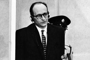 Le fils du nazi Eichmann vit dans le quartier où son père a été capturé par le Mossad