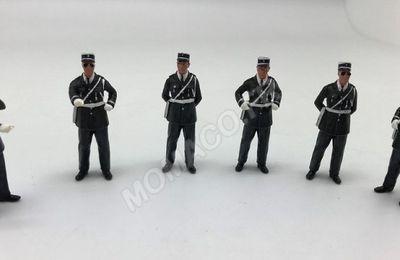 Agents de police au 1/43 (Perfex)