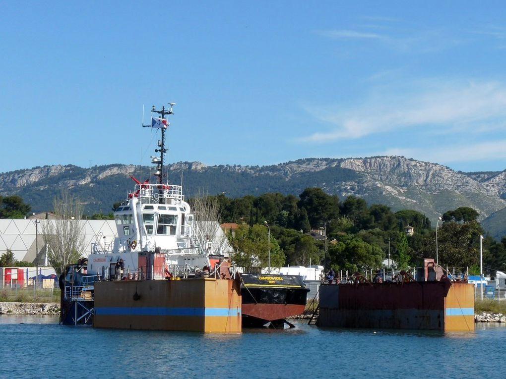 CHAMBON BORA , remorqueur du port de Sète  ,aux chantiers Foselev Marine à La Seyne sur Mer