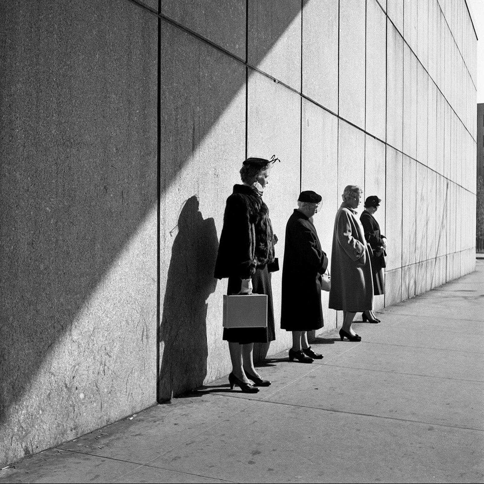 """""""New York, 31 octobre 1954"""" de Vivian MAIER © Estate of Vivian Maier, Courtesy of Maloof Collection and Howard Greenberg Gallery, NY"""