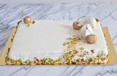 Entremet pistache insert cerise glacage miroir blanc