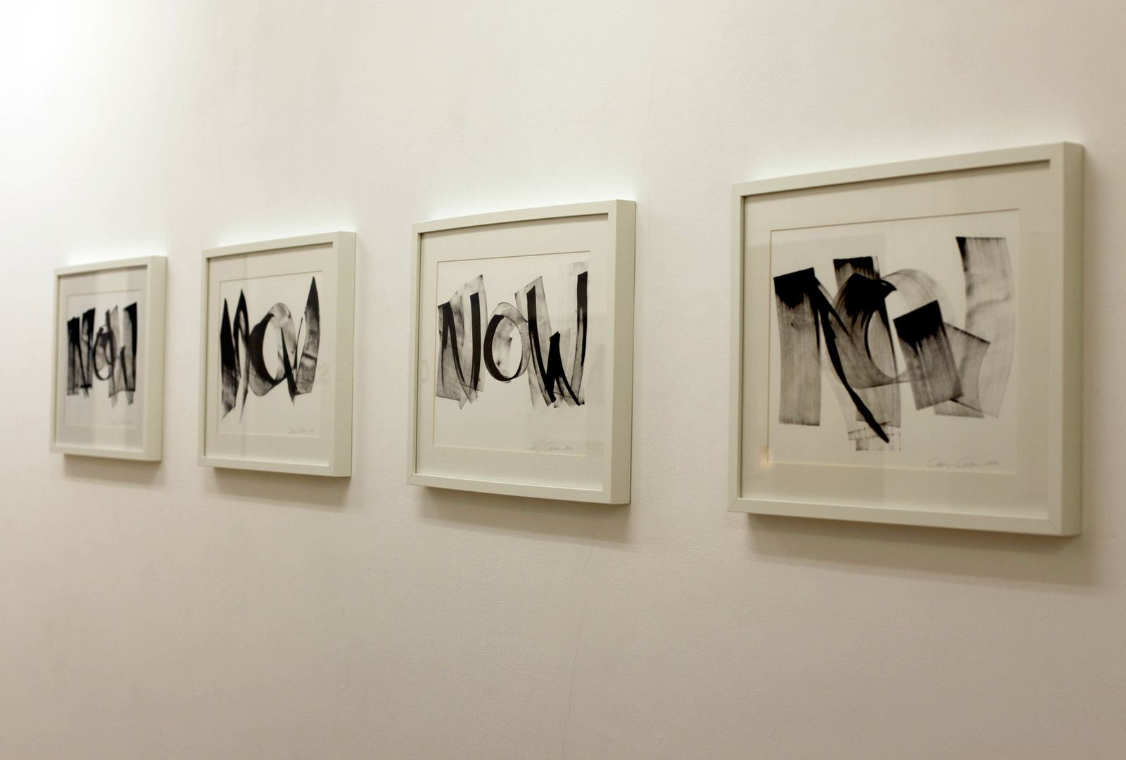 """NOW II, III, V, IV"", 2014 de Carolyn CARLSON - Courtesy de l'artiste et de la Galerie Isabelle Gounod © Photo Éric Simon"