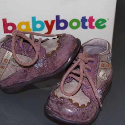 CHAUSSURES BABY BOTTES POINTURE 19
