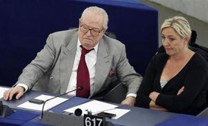"""Provocation de Jean-Marie Le Pen : """"pas un nouveau dérapage mais le même visage hideux de la haine"""""""