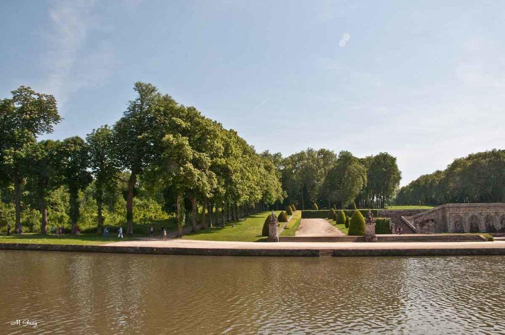 192 clichés pour présenter le parc, les Jardins, l'intérieur du château, les grottes, le grand canal, les statues, ... , grand tour d'horizon en ce 27 mai 2012, jour de Pentecôte. Toutefois, la coupole était en réfection avec bâches et échaf