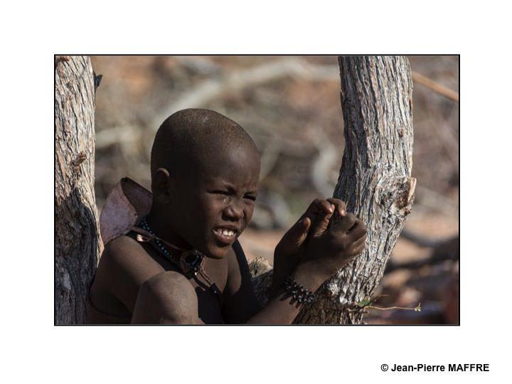 Présents en Afrique australe, les Himbas sont principalement établis au nord de la Namibie dans le désert côtier du Kaokoveld.