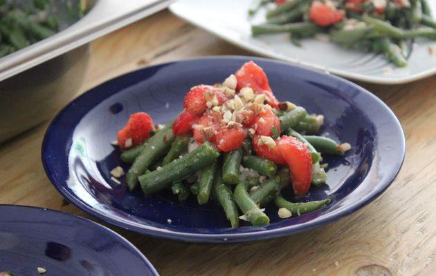 Salade d'haricots verts et fraises à l'huile de noisette