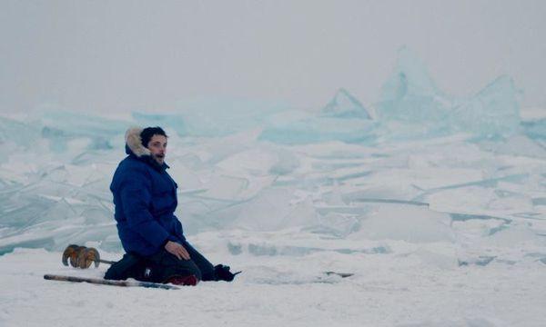 Dans les forêts de Sibérie, le film poignant avec Raphaël Personnaz