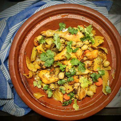 Tajine de poulet au fenouil et olives vertes