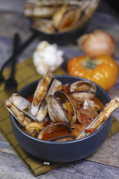 CIOPPINO AUX COQUILLAGES