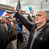 Manifestation interdite à Calais : un général et une vingtaine de personnes arrêtés