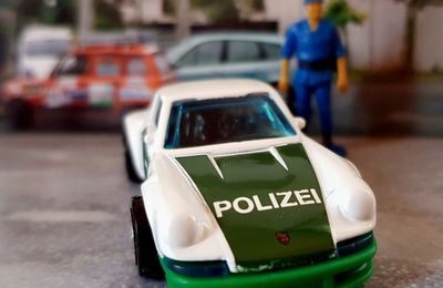 71 PORSCHE 911 POLIZEI HOT WHEELS 1/64.