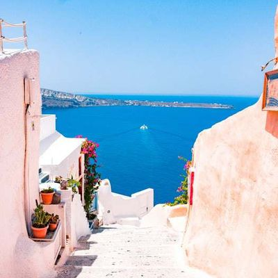 Rent a villa for your next Greek holiday