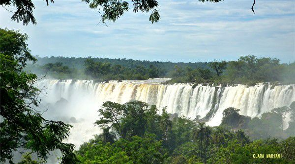 Les chutes d'Iguazu vues d'Argentine. (laisser les images défiler)