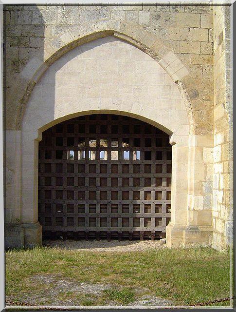 Diaporama château de Druyes les Belles Fontaines