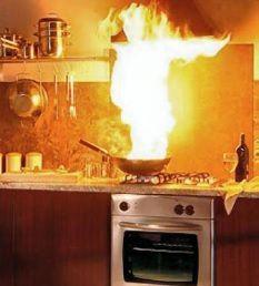 La cuisine en feu - Que faire en cas de feu dans la cuisine - video