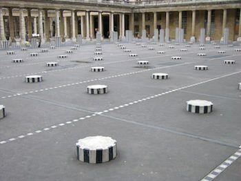 expositions d'art contemporain, évènements populaires, rites religieux