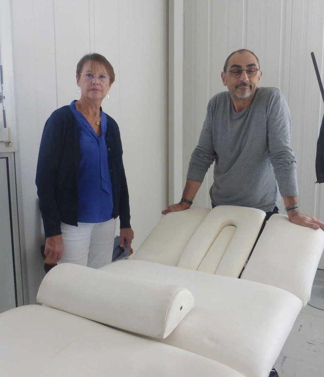 Jacques Cohen et Catherine Lemaire dans les salles de soin.