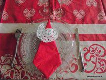 Des serviettes pour la table de Noël