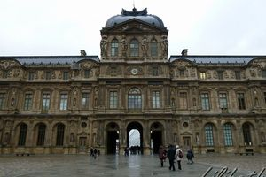 le Louvre : du carré au triangle