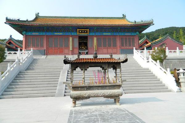 Huangdao 黄岛: Le temple Zhushan