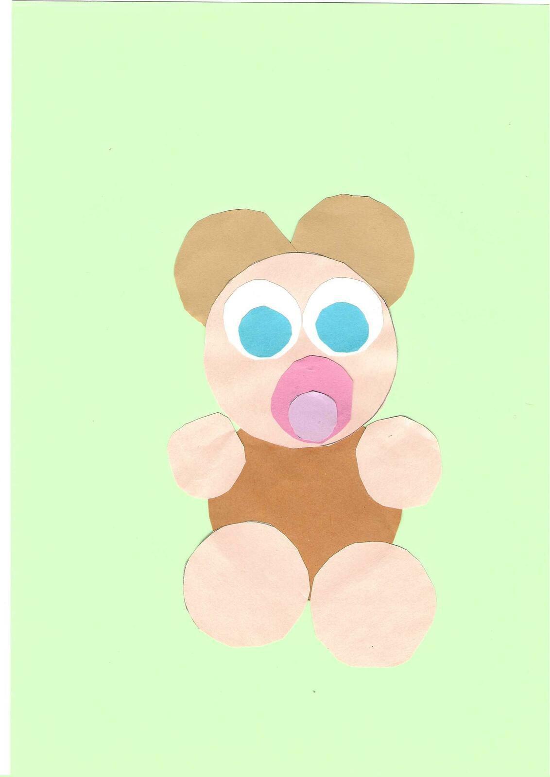 Voici un petit ourson.