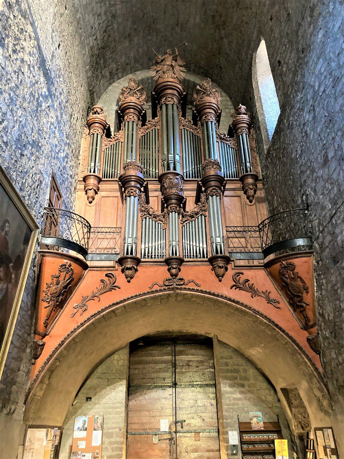 Le très bel orgue Cavaillé de l'église abbatiale de Saint Guilhem