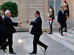 François Hollande et Mahmoud Abbas : une étreinte répugnante