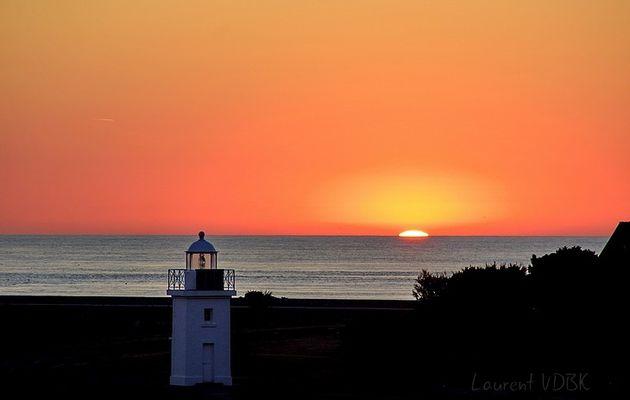 Le soleil se lève sur le port de Barfleur...