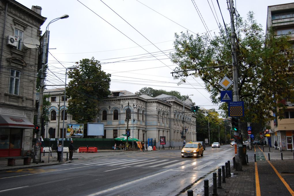 Bucuresti, liceul Lazàr, Gradina Cismigiu. Photos: Emmanuel CRIVAT (M. et Em. presse)