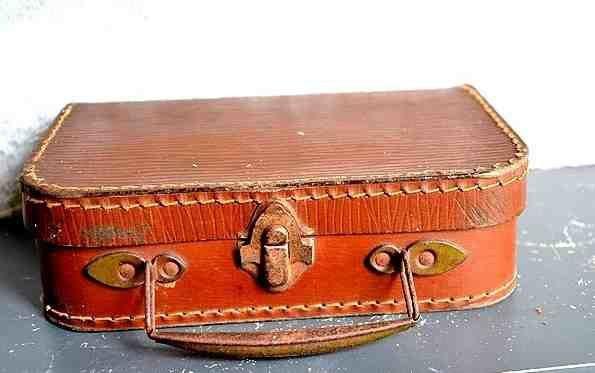 La petite valise rouge
